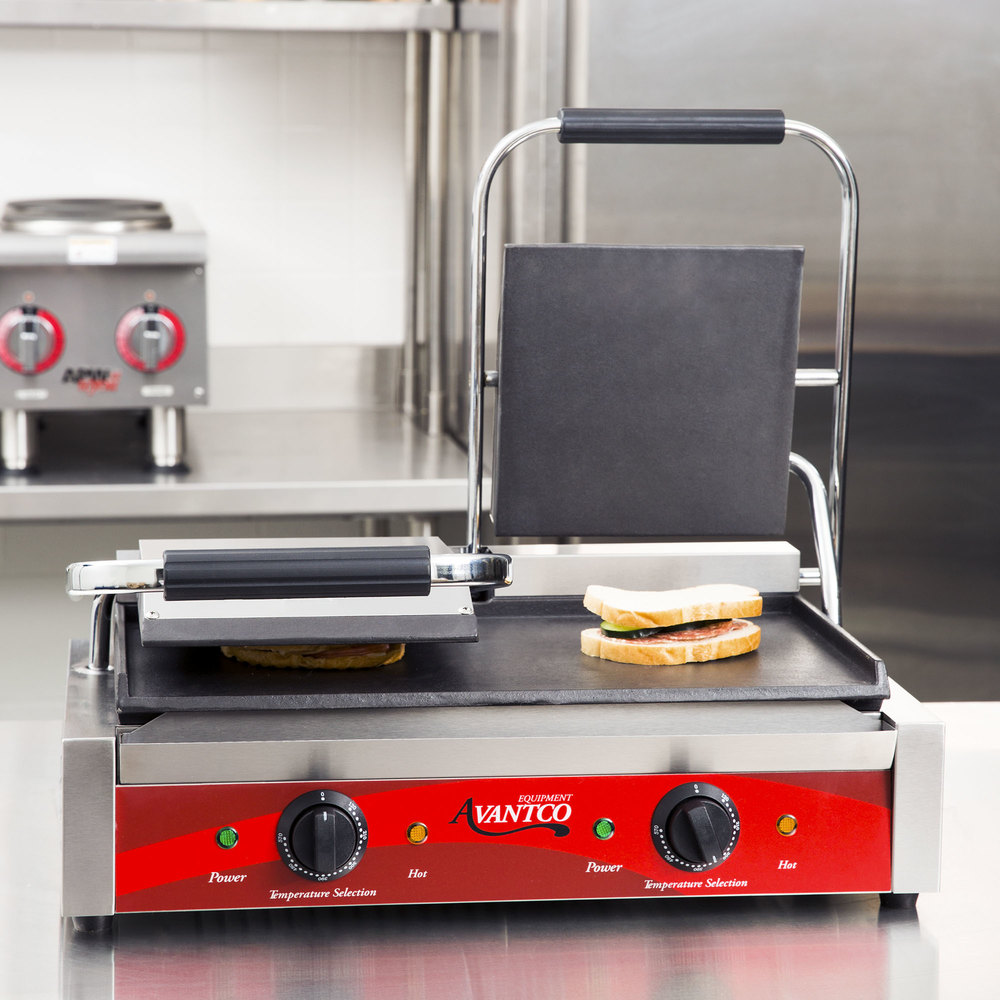 "Avantco P85S Double 8"" x 8"" Smooth Top & Bottom Commercial Panini Sandwich Grill - 120V, 3500W"