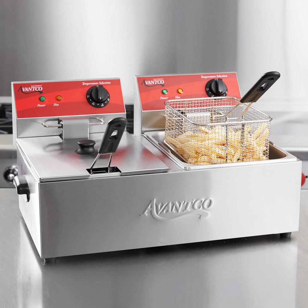 Avantco F102 20 Ib. Dual Tank Electric Countertop Fryer 120V, 3500W