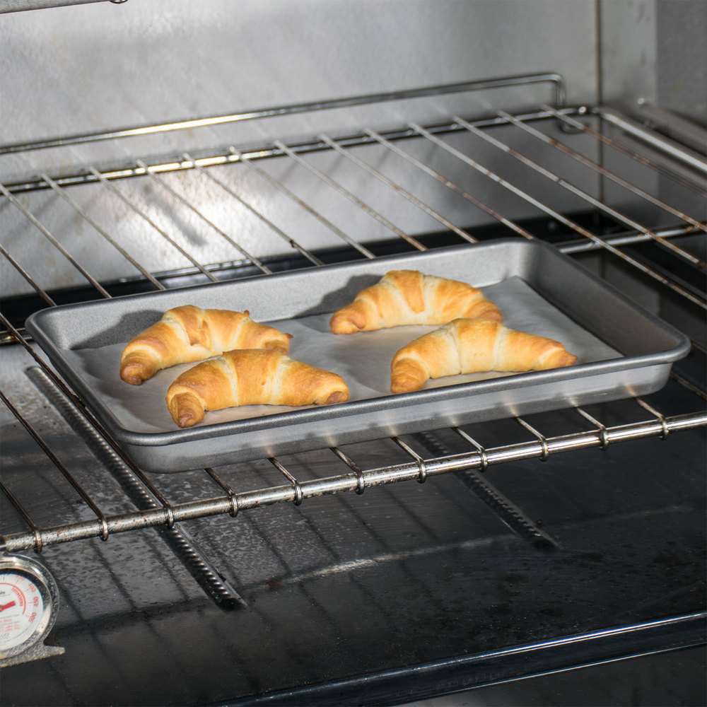 "Quarter Size Non-Stick 23 Gauge Aluminum Bun / Sheet Pan - Wire in Rim, 13"" x 9 1/2"""