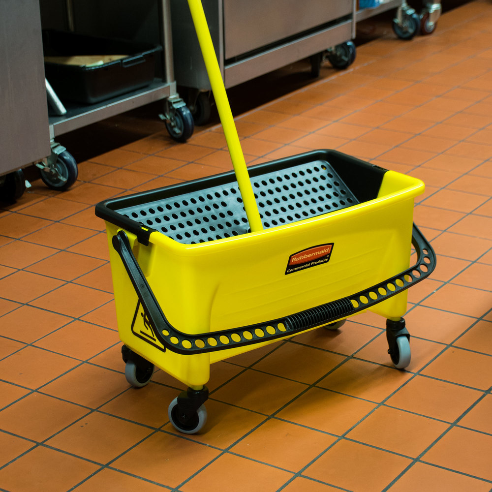 Rubbermaid Q900-88 No Touch Microfiber Mop Bucket (FGQ90088YEL)