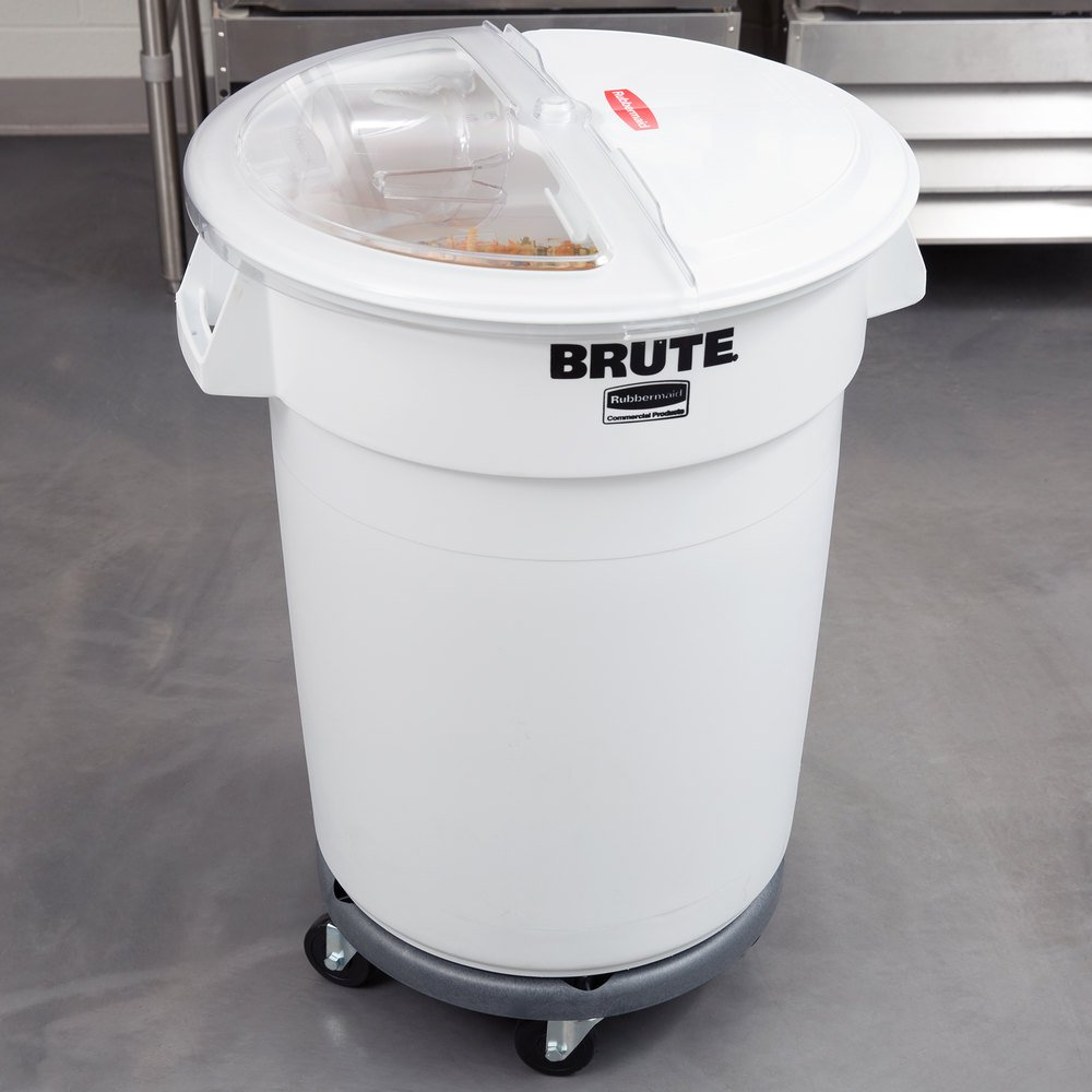 rubbermaid brute 32 gallon ingredient storage bin and dolly kit with 4 cup measuring scoop