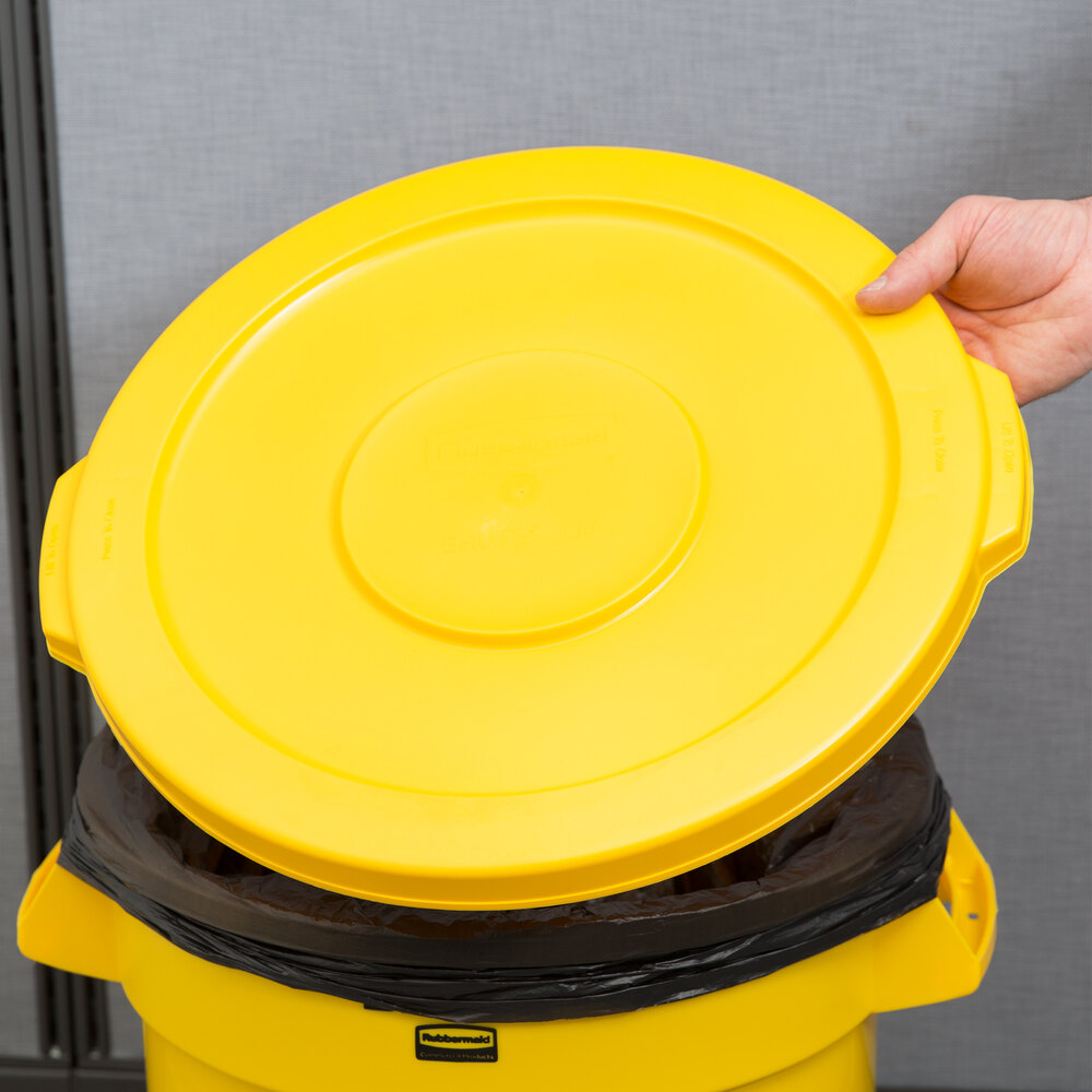 Rubbermaid BRUTE FG260900YEL Yellow 10 Gallon Trash Can Lid