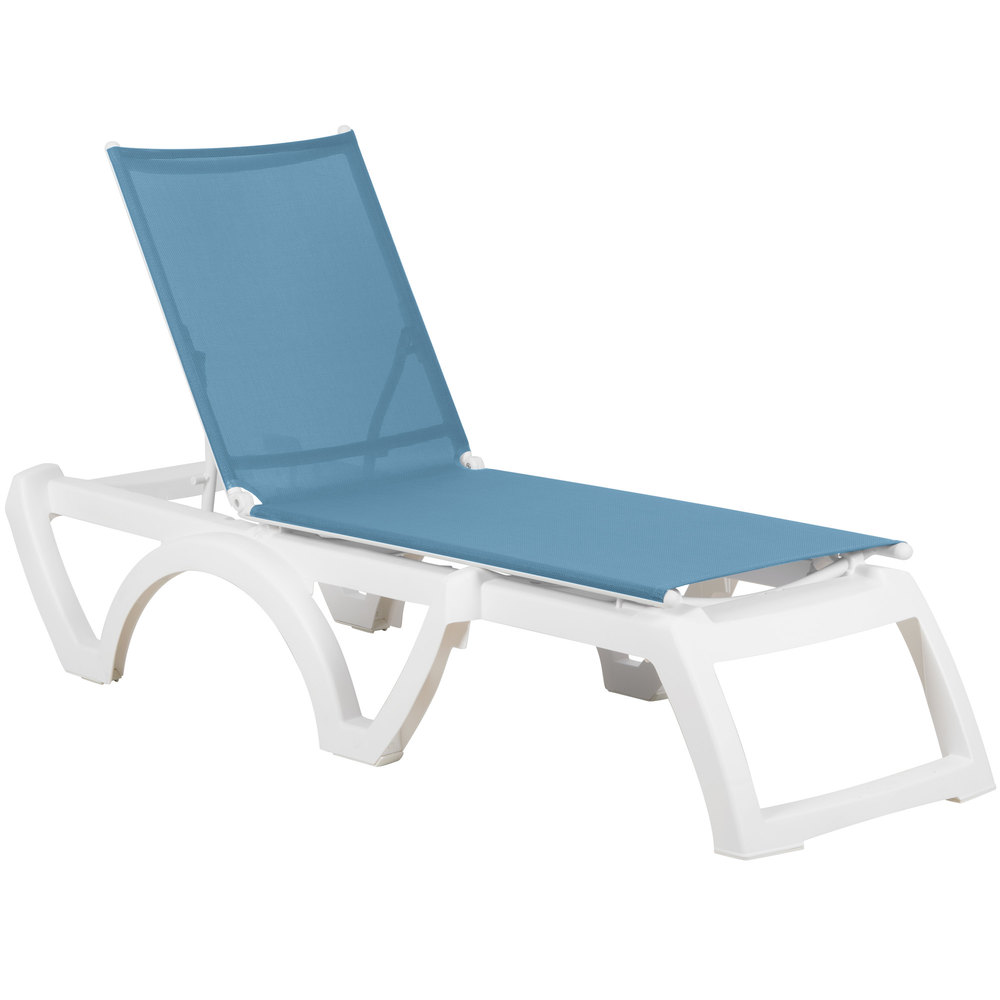 Grosfillex us476194 calypso white sky blue stacking - Grosfillex chaise longue ...