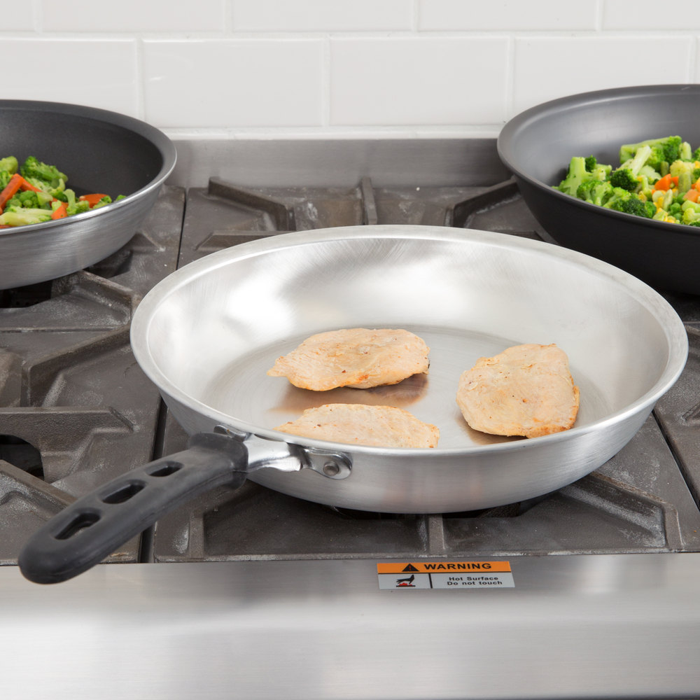 "Vollrath 67912 Wear-Ever 12"" Natural Finish Aluminum Fry Pan with TriVent Silicone Handle"