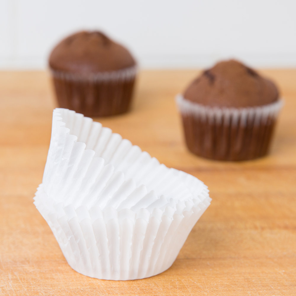 "White Fluted Baking Cup 2"" x 1 1/4"" - 1000 / Pack"