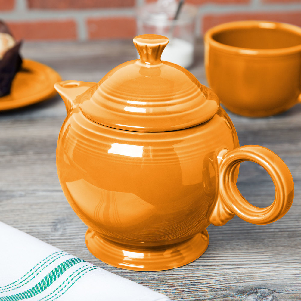 Homer Laughlin 496325 Fiesta Tangerine 44 oz. Covered Teapot - 4/Case
