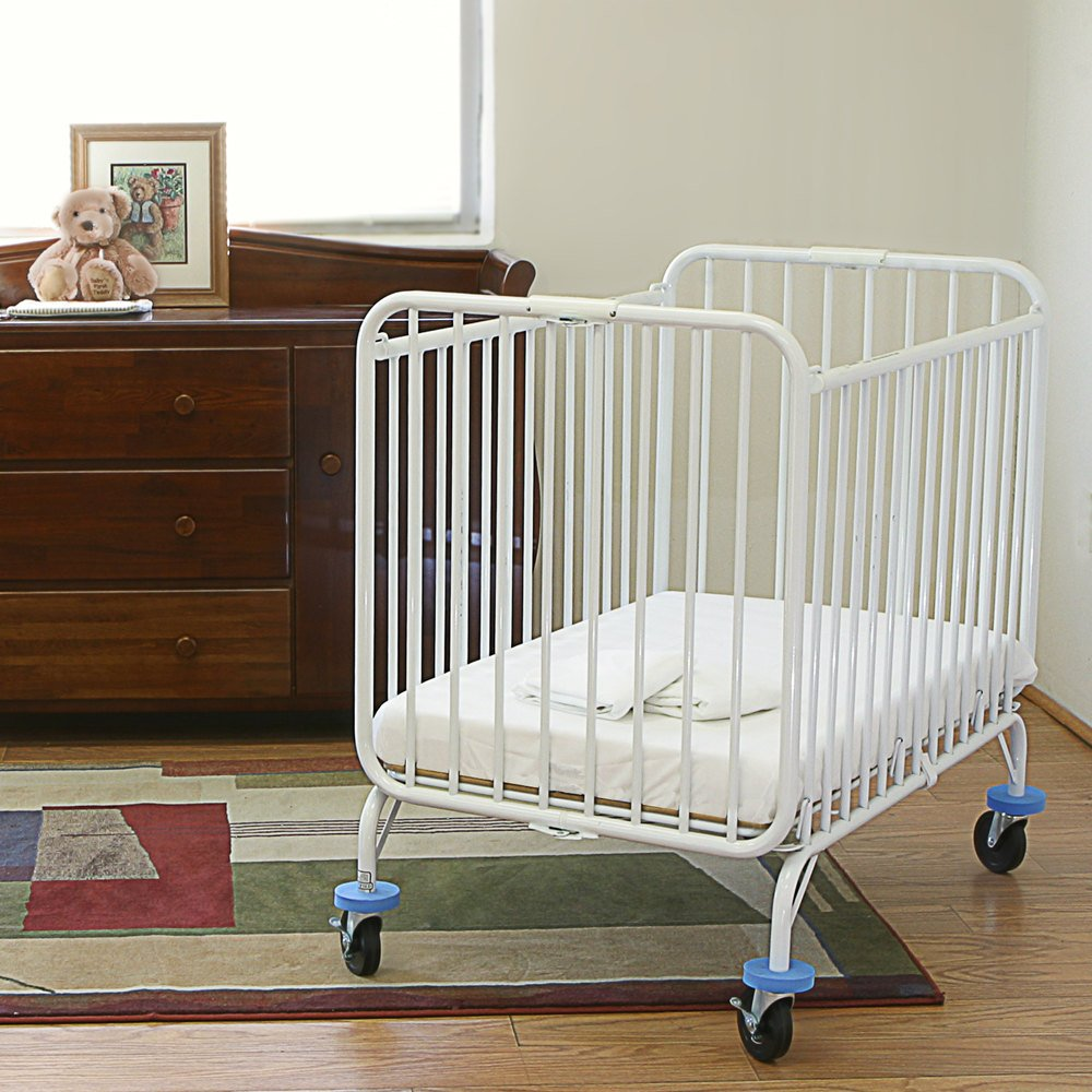l a baby deluxe holiday crib 24 x 38 metal folding crib with 3 mattress. Black Bedroom Furniture Sets. Home Design Ideas