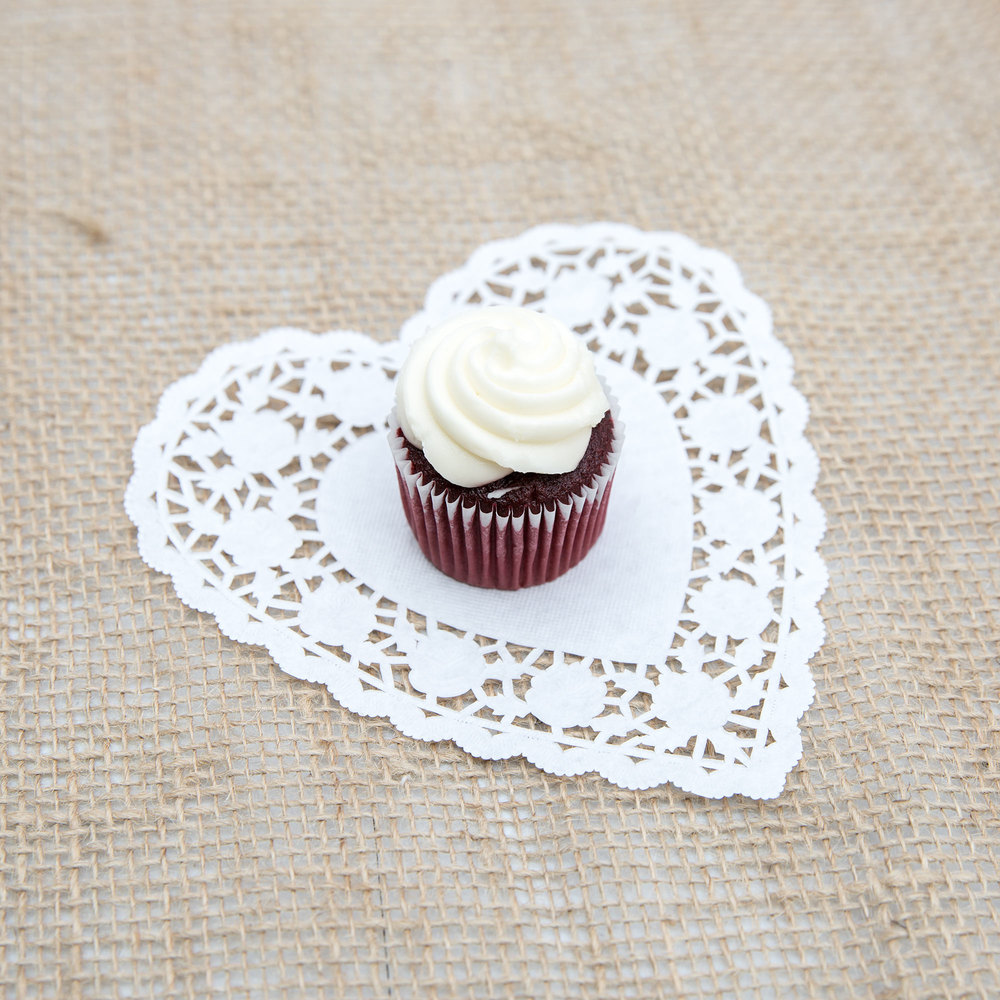 "White 6"" Paper Heart Doilies 1000/Case"