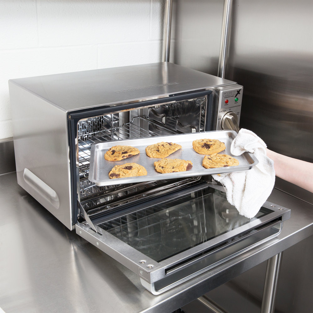 Waring WCO500X Half Size Countertop Convection Oven - 120V, 1700W