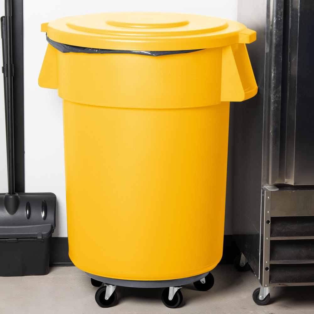 carlisle bronco 55 gallon yellow trash can with lid and dolly. Black Bedroom Furniture Sets. Home Design Ideas