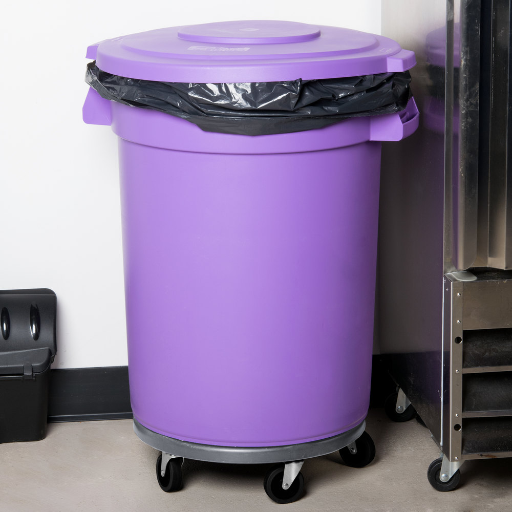 Carlisle Bronco 32 Gallon Purple Trash Can With Lid And Dolly
