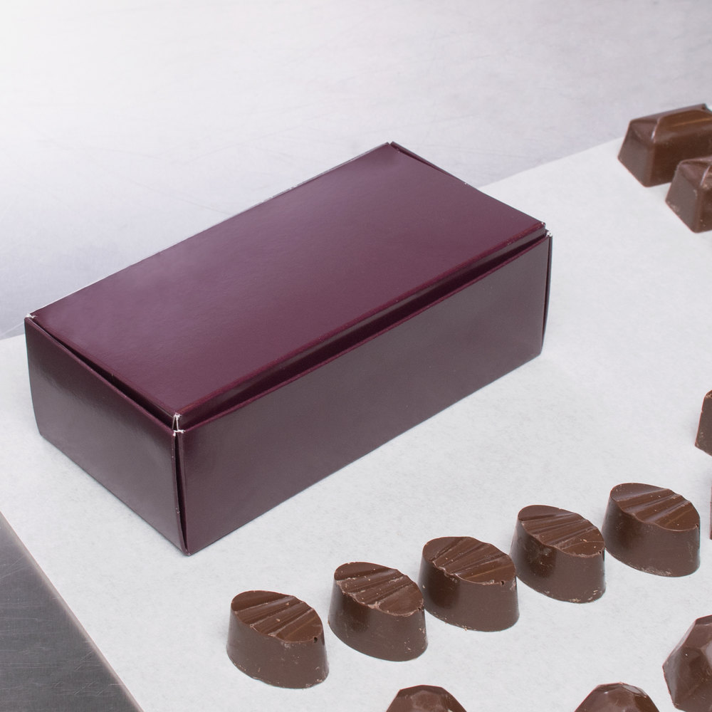 "5 1/2"" x 2 3/4"" x 1 3/4"" 1-Piece 1/2 lb. Burgundy Candy Box - 250/Case"