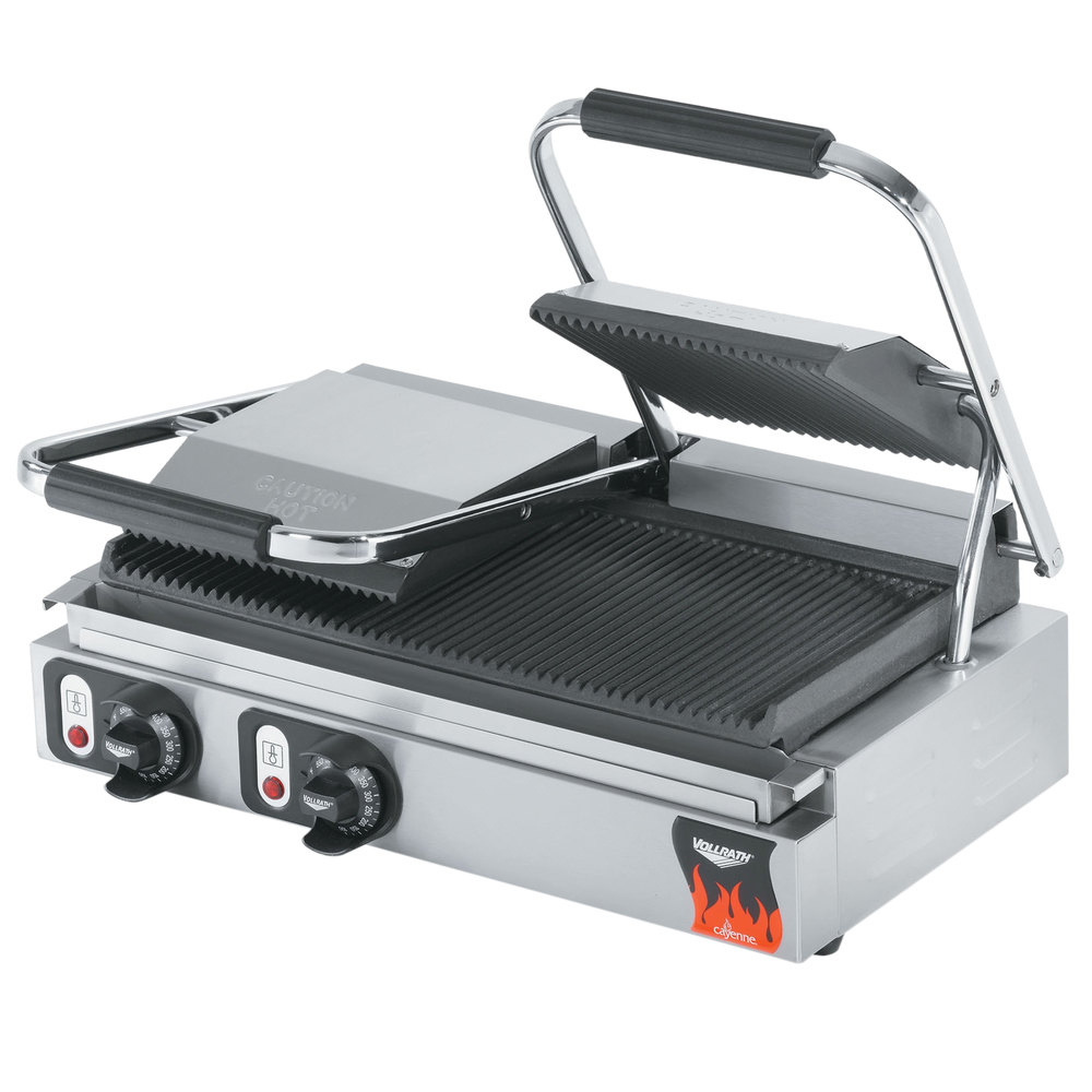 "Vollrath 40795 21"" x 9"" Dual Grooved Top & Bottom Panini Sandwich Grill 220V"