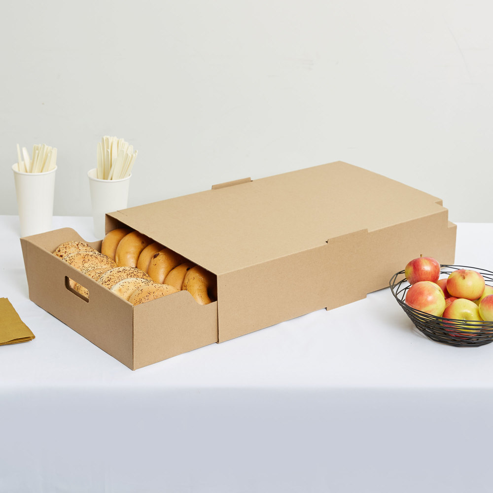 "LBP 9632 23 9/16"" x 13 1/4"" x 4 3/4"" Extra Large Catering Tray with Cover - 15/Case"