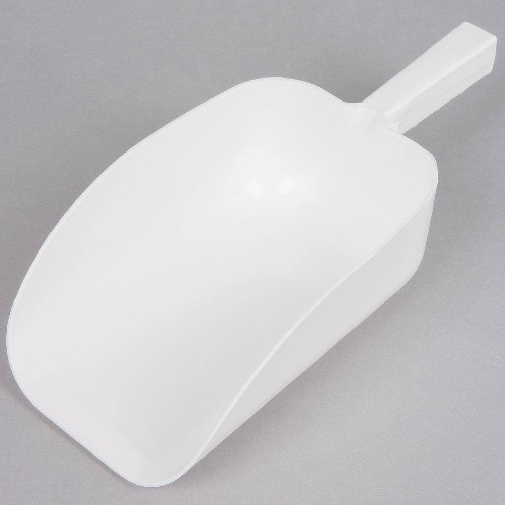 64 Oz White Plastic Scoop