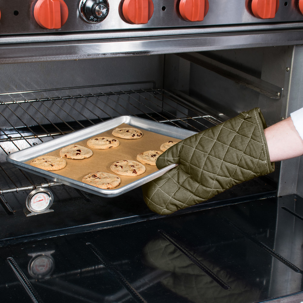 "Choice 13"" Flame-Retardant Oven Mitts - 2/Pack"