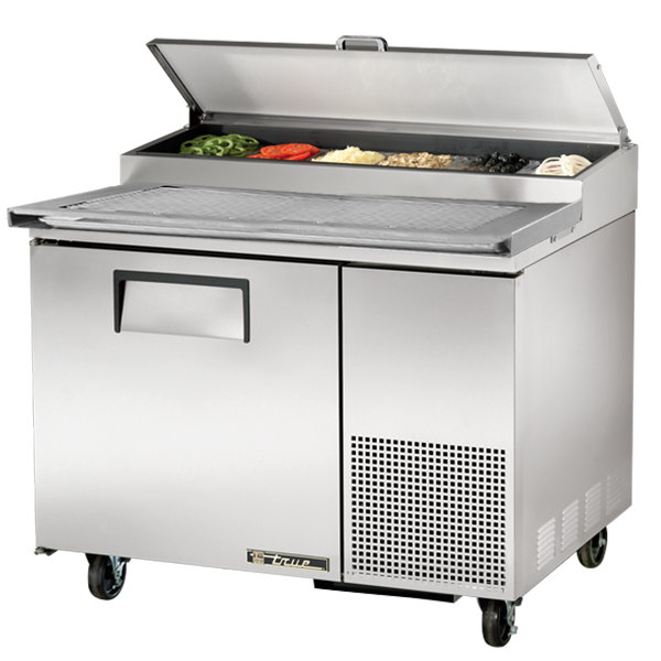 True Tpp 44 44 Quot Refrigerated Pizza Prep Table With Topping
