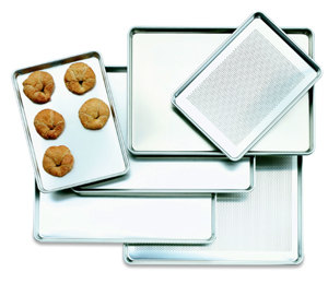 18 inch x 13 inch Half Size Perforated Aluminum Bun / Sheet Pan