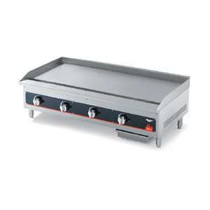 Vollrath 948GGT Cayenne 48 inch Heavy Duty Countertop Griddle with Thermostatic Controls - 120,000 BTU