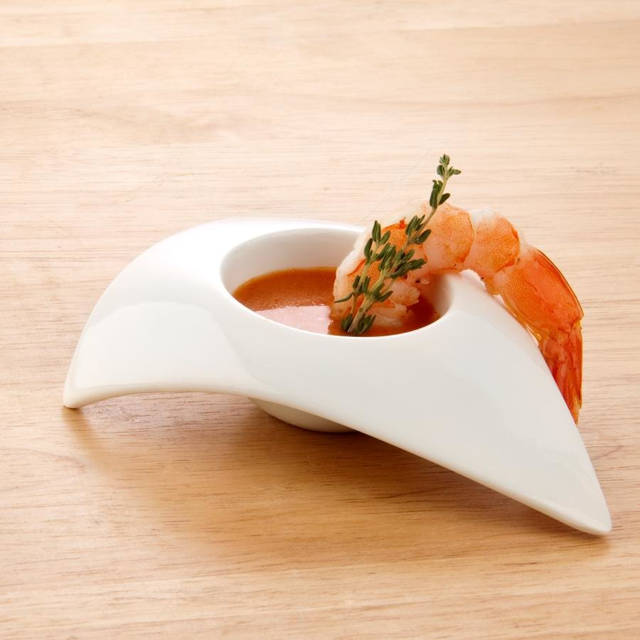 Arc Cardinal R0746 1 oz. Wave Triangular Porcelain Appetizer Bowl - 24/Case