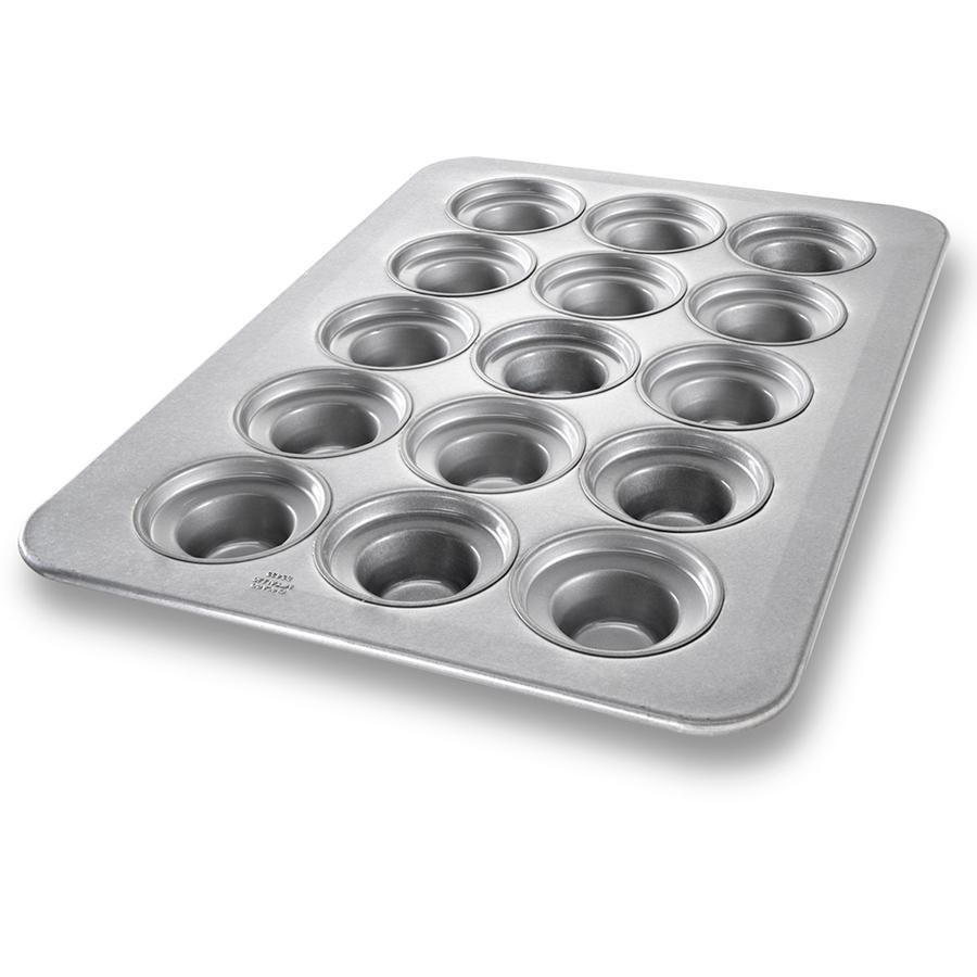"Chicago Metallic 45435 15 Cup Glazed Oversized Large Crown Muffin Pan - 17 7/8"" x 25 7/8"""