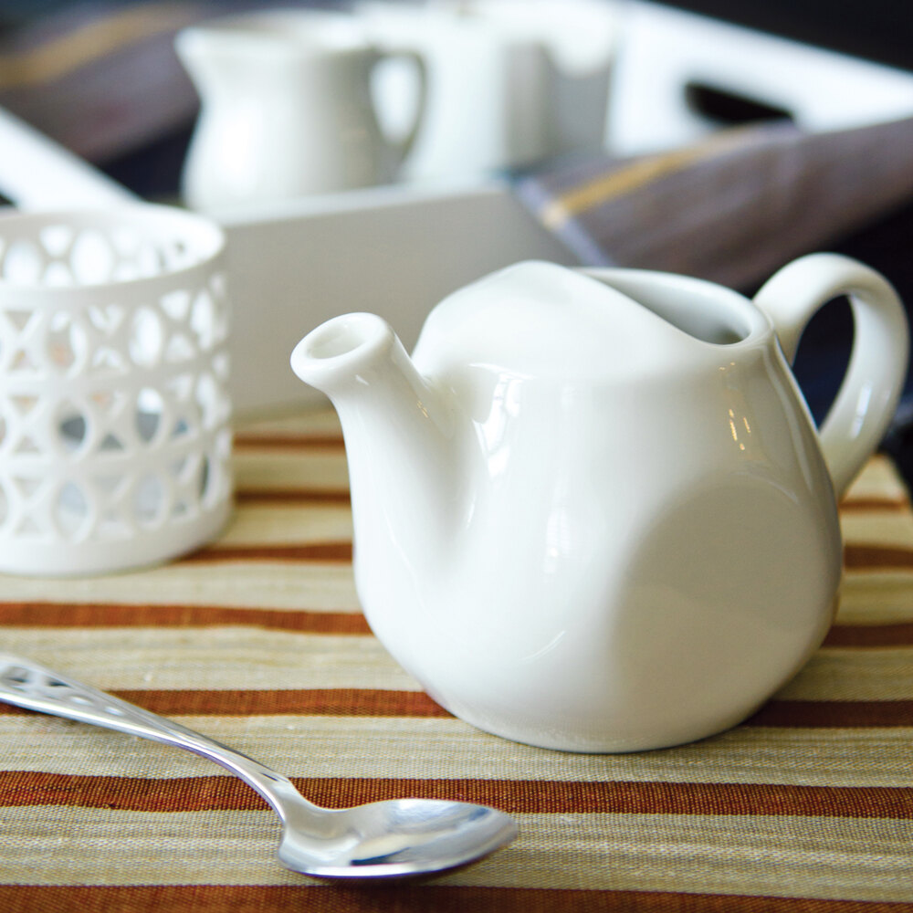 Tuxton BET-1601 DuraTux American White (Ivory / Eggshell) 16 oz. Tea Pot Without Lid - 12/Case