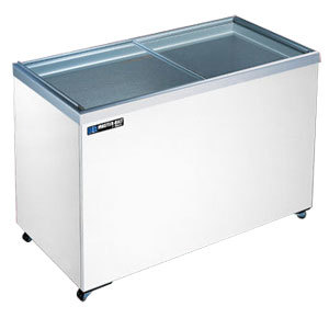 Master-Bilt MSF-70 18.6 Cu. Ft. Flat Lid Display Freezer