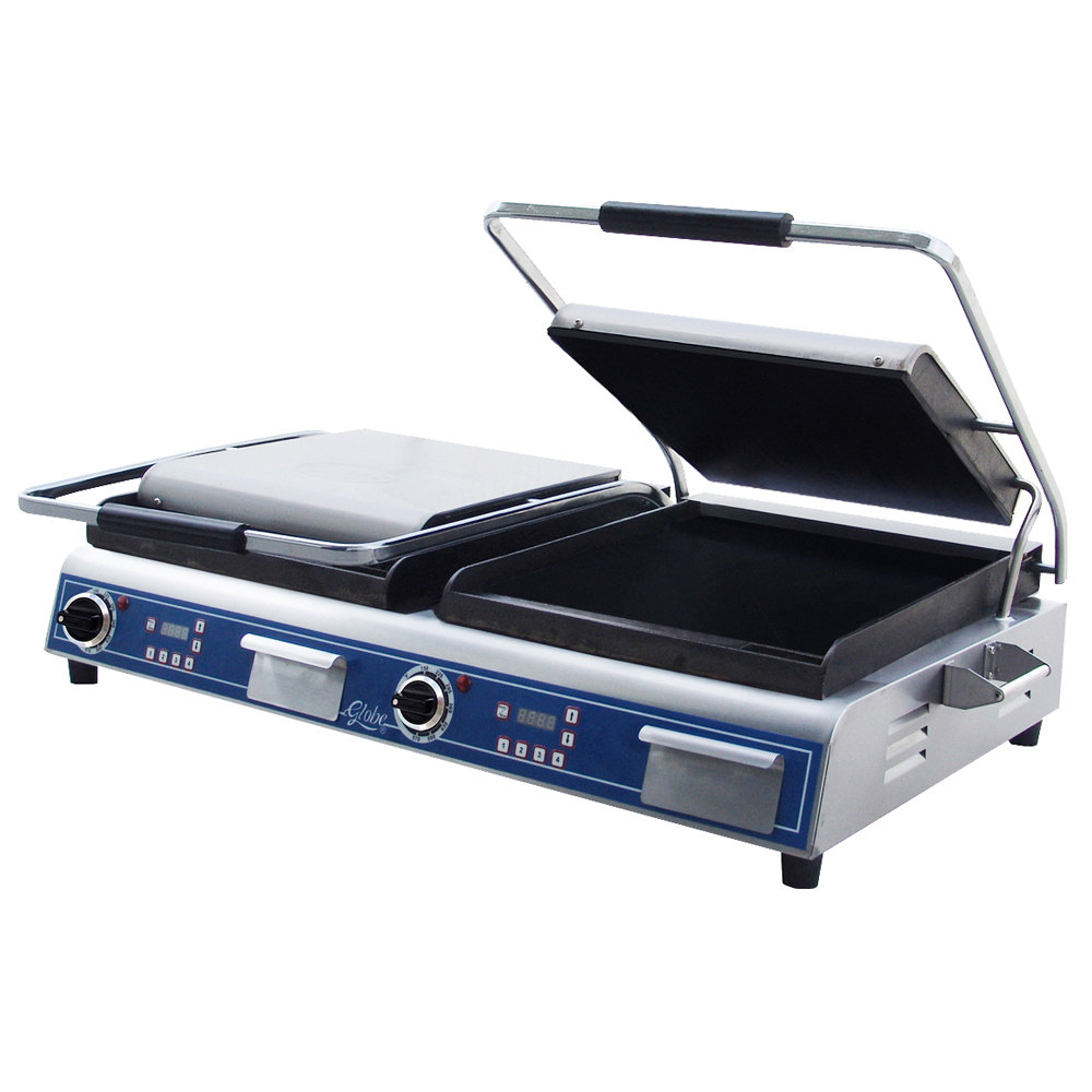 Globe GSGDUE14D Deluxe Double Sandwich Grill with Smooth Plates - 7200W