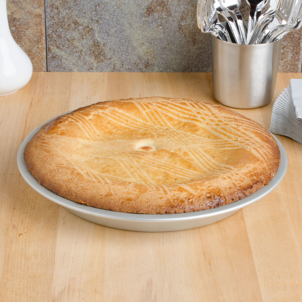 "Vollrath 51045 Wear-Ever 10"" Anodized Aluminum Pie Pan"