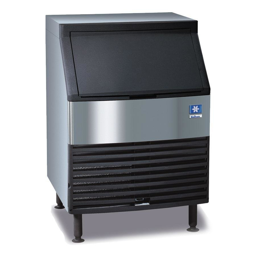 Manitowoc QY-0134A Undercounter Half Cube Ice Machine Air Cooled - 135 lb.