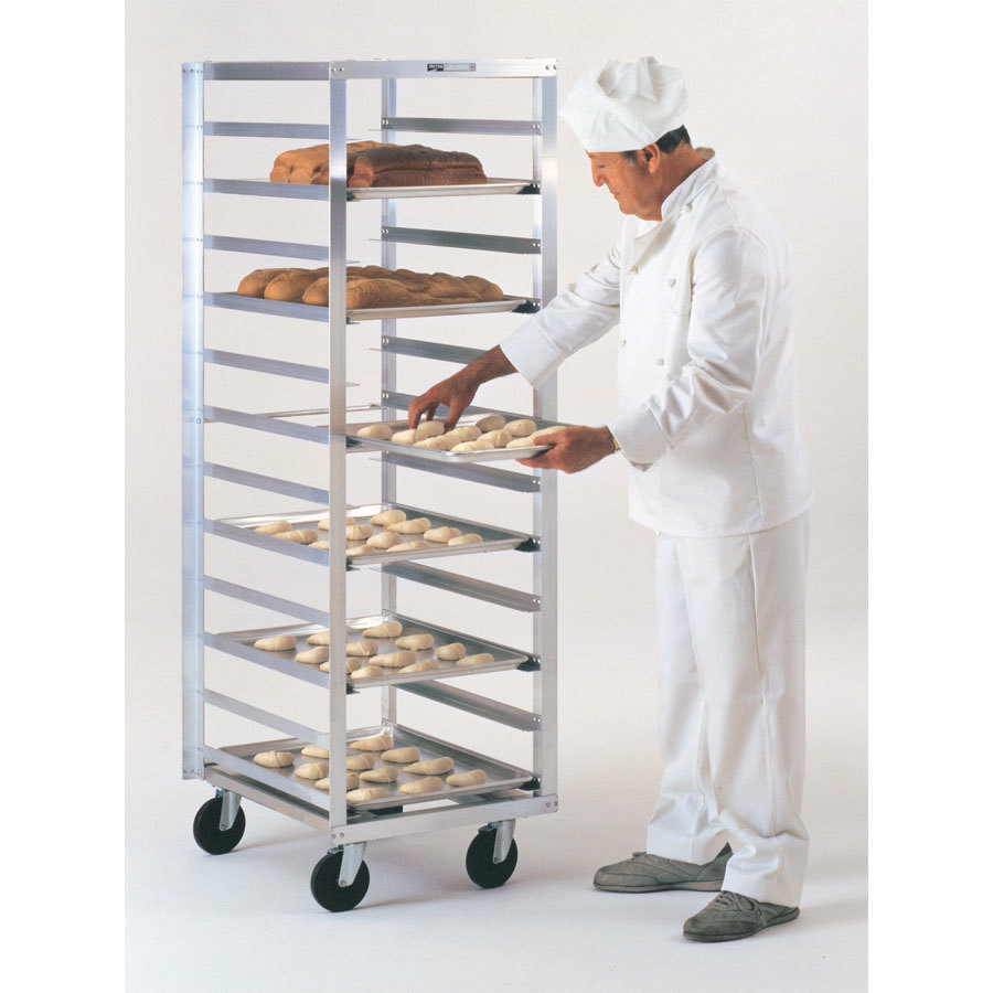 Metro RD23N Mobile End Load Bun Pan Rack (12 pan capacity)