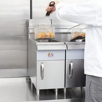 Cooking Performance Group CF15 Liquid Propane 15 lb. Countertop Fryer - 26,500 BTU