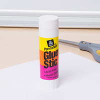 Avery 196 1.27 oz. White Permanent Glue Stic - 12/Pack