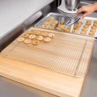 Vollrath 20038 Super Pan V 16 1/2 inch x 24 inch Footed Stainless Steel Cooling Rack / Pan Grate for Full Size Sheet Pan