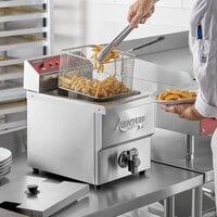 Avantco F200 15 lb. Medium-Duty Electric Countertop Fryer - 208/240V, 2700/3600W