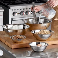 Vollrath 5 Piece Standard Weight Stainless Steel Mixing Bowl Set