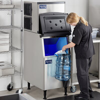 Avantco Ice KMC-350-B2H 22 inch Air Cooled Modular Half Cube Ice Machine with Bin - 350 lb.