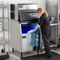 Avantco Ice KMC-500-B3H 30 inch Air Cooled Modular Half Cube Ice Machine with Bin - 500 lb.
