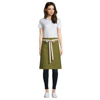 Uncommon Threads 3117 Moss Green Customizable 100% Cotton Canvas Moxie Waist Apron with Natural Webbing and 3 Pockets - 24 inchL x 34 inchW