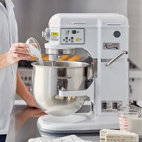Avantco MIX8WH White 8 Qt. Commercial Countertop Mixer with Accessories - 110V, 4/5 hp