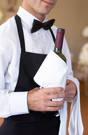 How To Pour Wine Wine Serving Tips